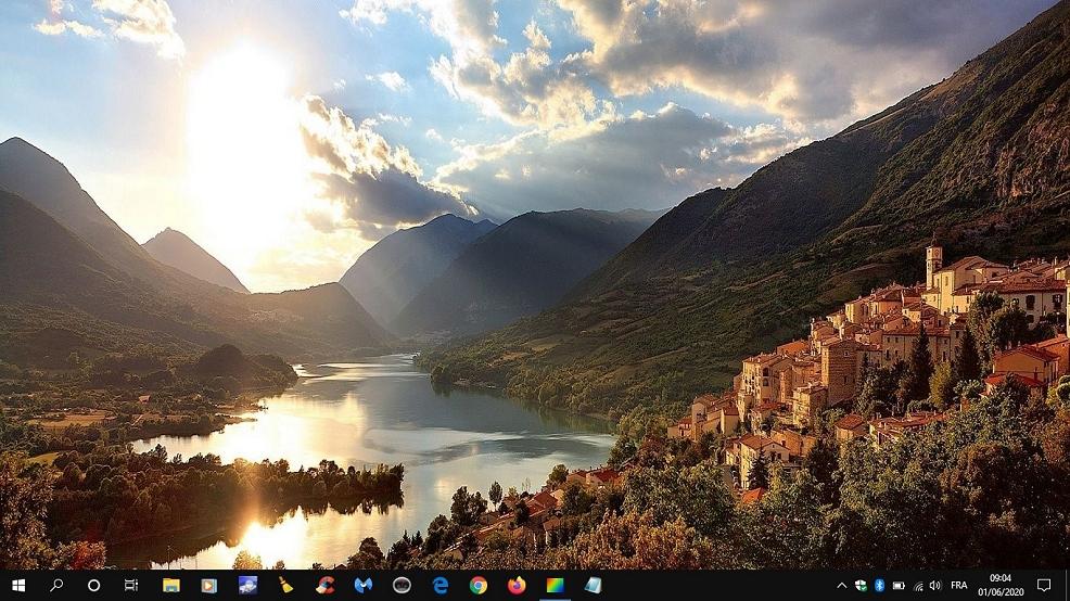 Windows 10, sa barre d'outils et ses fameuses icônes de bureau...